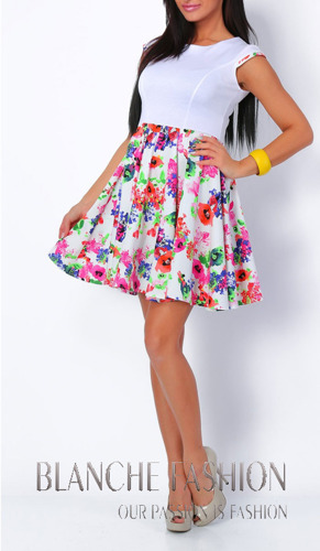 Summer mini dress with flowers and zip on the back S/M